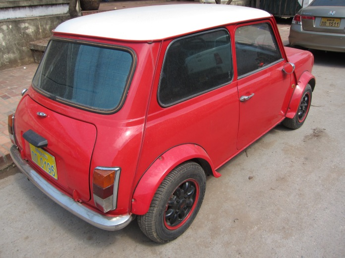 At first I thought this was an old mini, but on second thought it might be a Fiat. I could find no branding symbols on it.