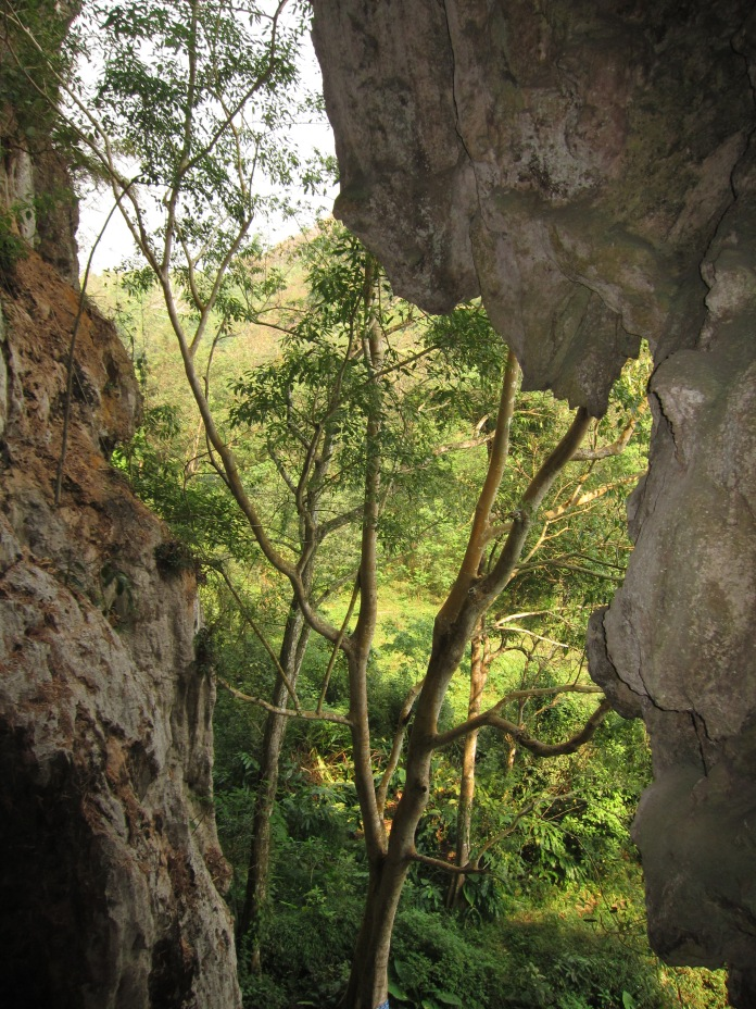 Tham Pha Thok caves.